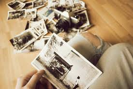 2.Prietenul care deapana amintiri…la fiecare intalnire.