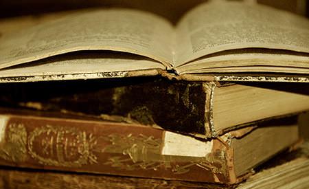 castiga 3 pachete de carti de evolutie spirituala oferite de editura trinity