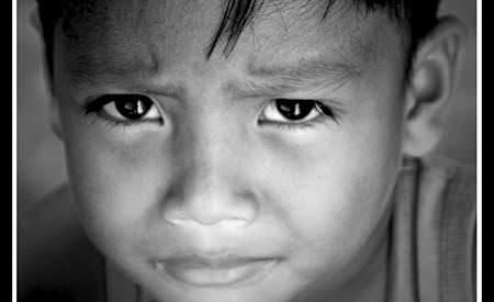 Trauma privita prin ochii copiilor. Ce pot face adultii