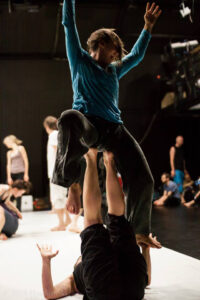 contact-improvisation-1