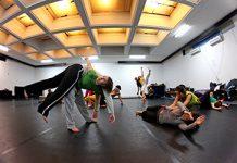 contact improvisation sau despre potentialul nebanuit al corpului