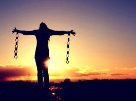 energiile lunii octombrie Iubirea care eliberează